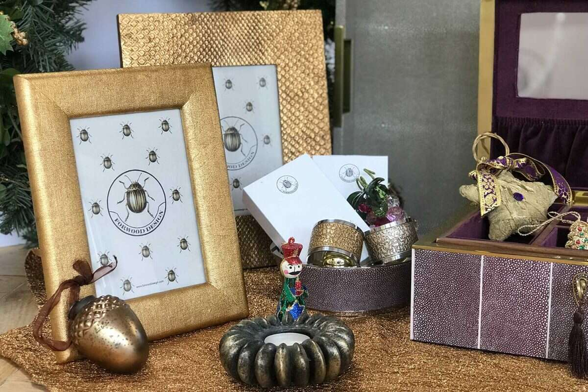 Photo Frame in Antique Gold Boa by Forwood design 1