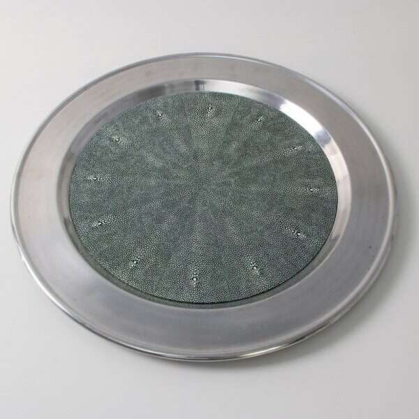 Duchess Serving Tray in Lincoln G3reen