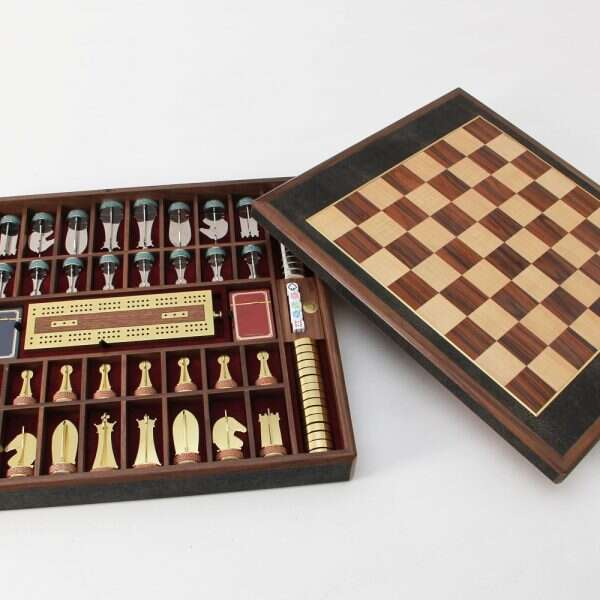 Games Compendium in Seal Shagreen by Forwood Design 3
