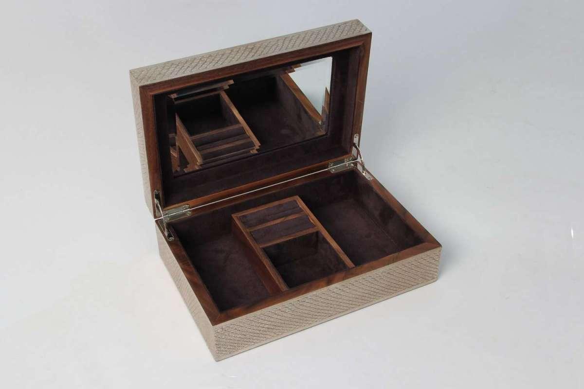 Ansley Jewellery Box in Silver Boa 4
