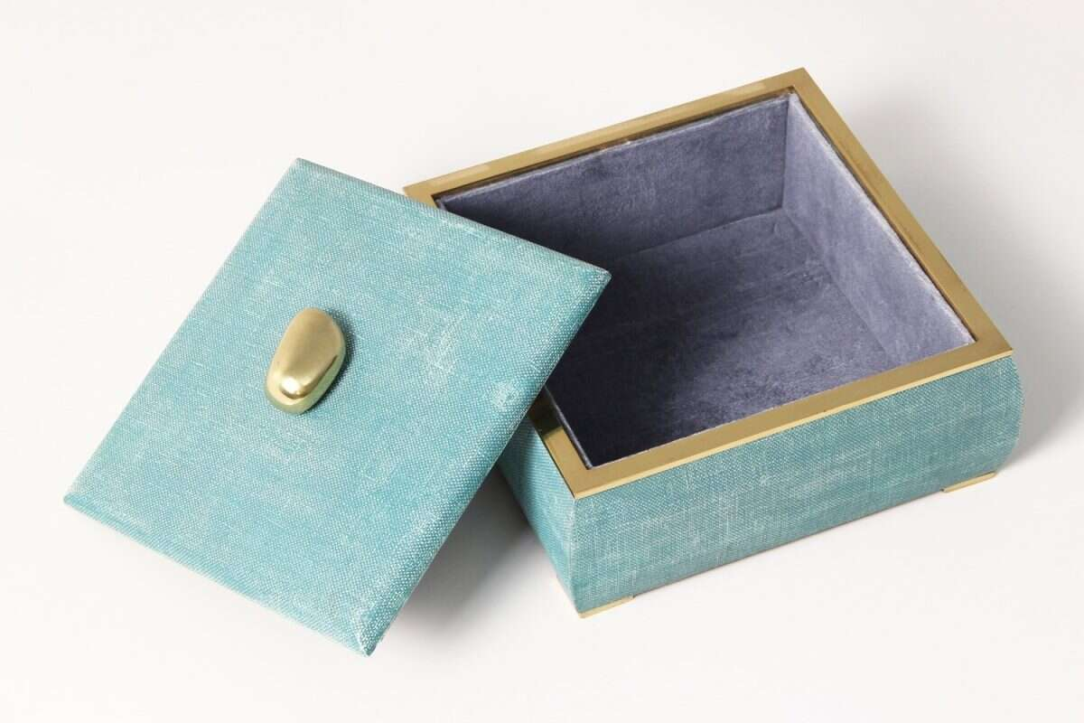 The Sophie jewellery box in teal linen 4