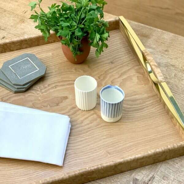 Tamo ash drinks tray and drinks coasters