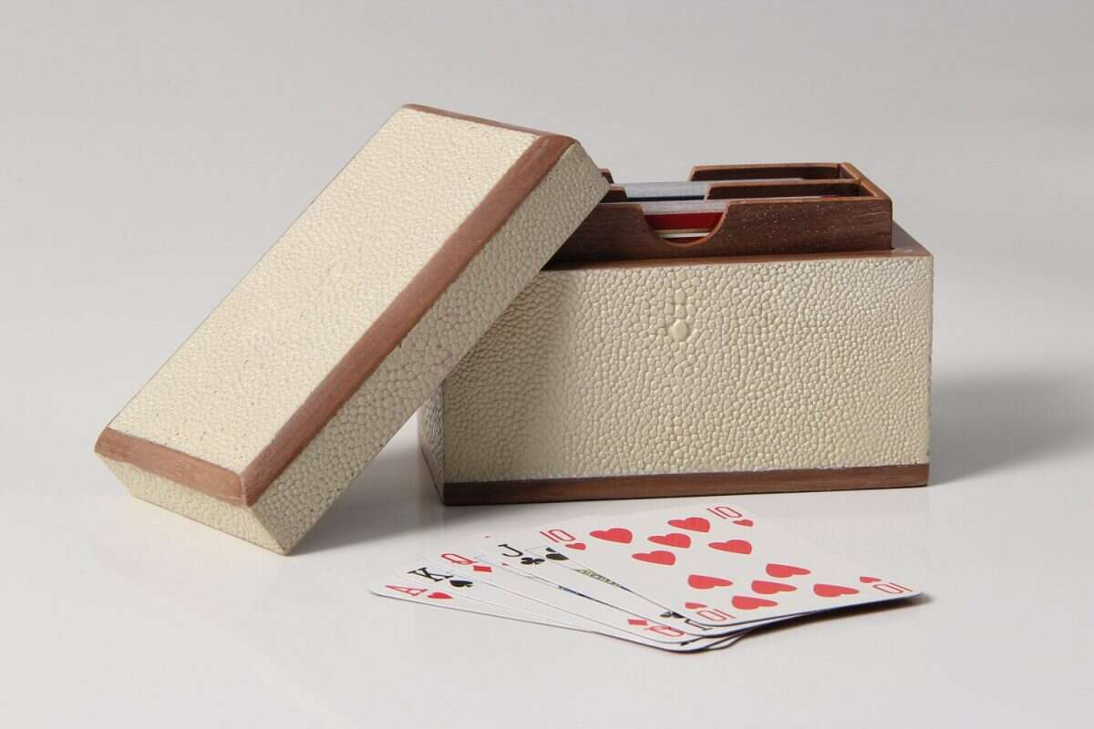 Playing Card Box in Almond White Shagreen 4