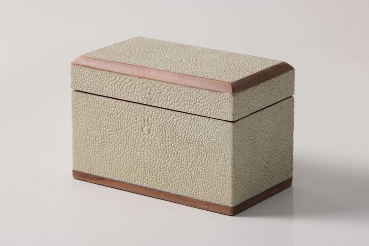 Playing Card Box in Almond White Shagreen 2