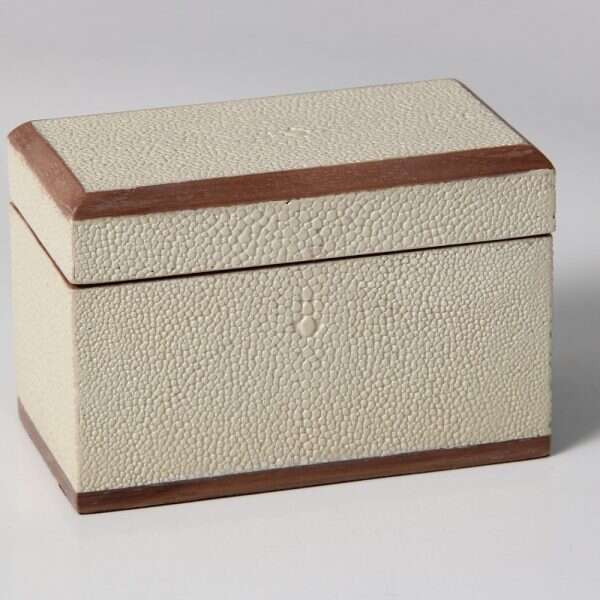 Playing Card Box in Almond White Shagreen 1