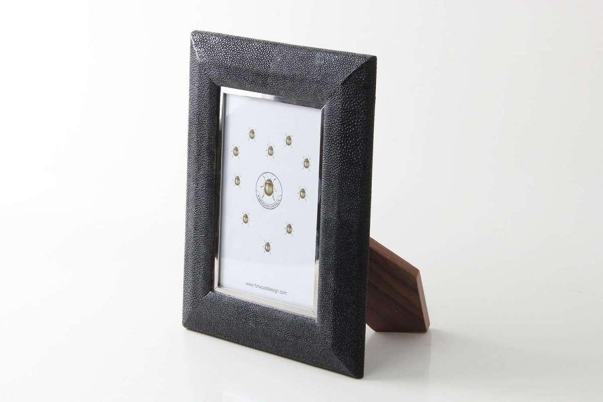 Bella Photo Frame in Caviar Black Shagreen by Forwood Design 1