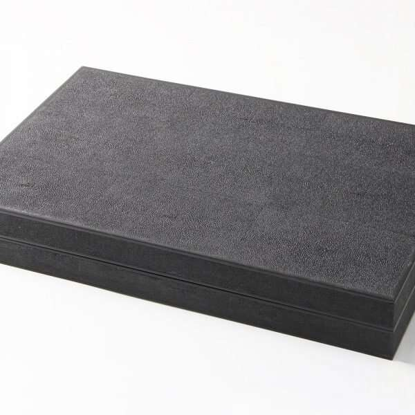 Backgammon Board in Caviar Black Shagreen 5