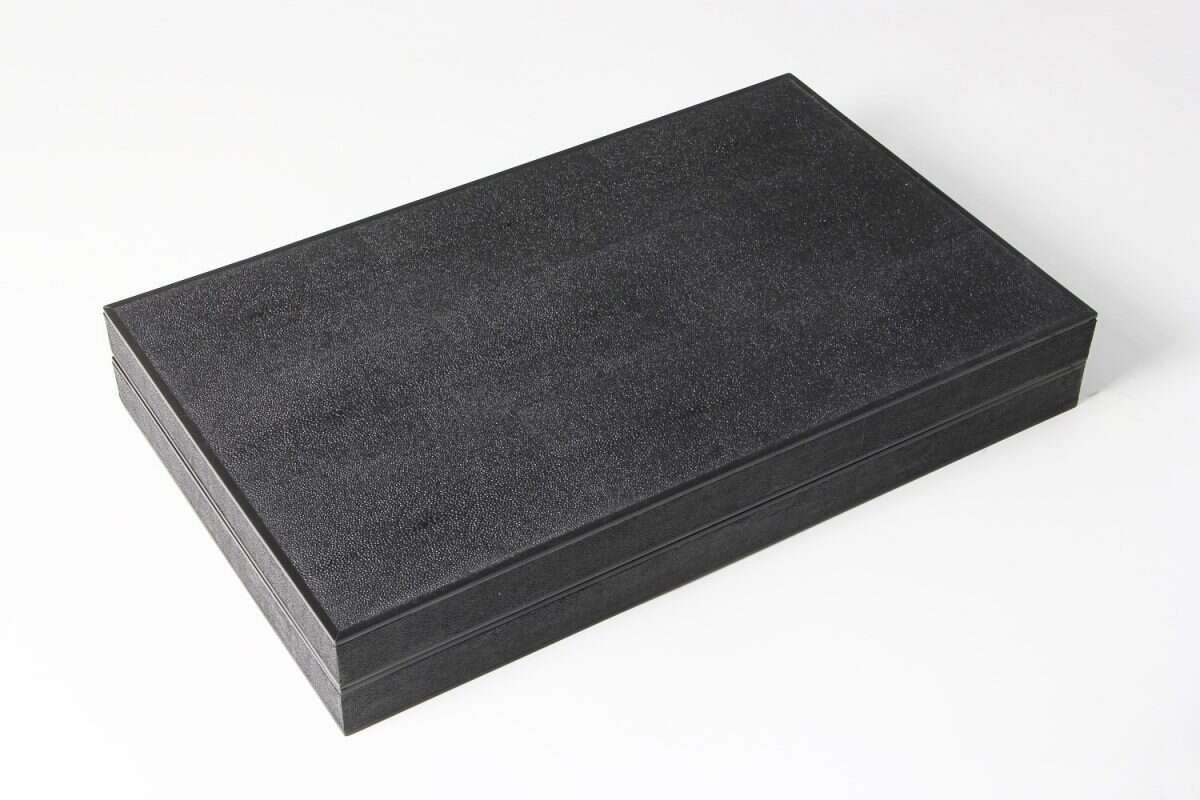 Backgammon Board in Caviar Black Shagreen 1