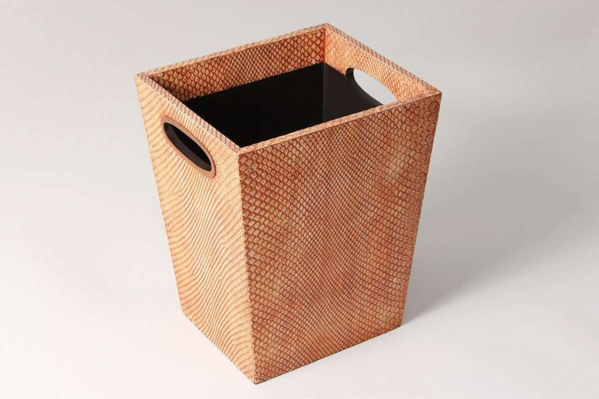Forwood Design Waste Bin in Coral Boa 2
