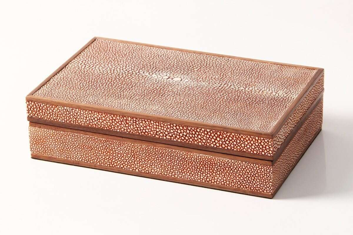 Bridge Set in Coral Shagreen and walnut 4