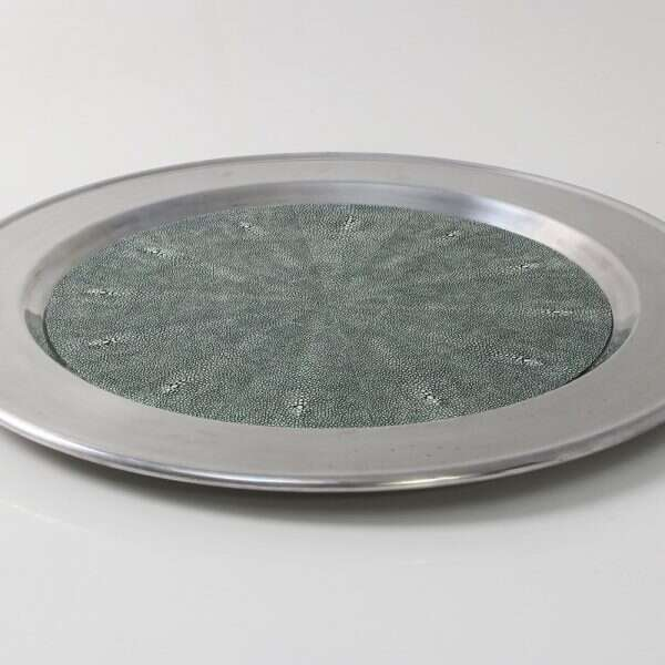 Duchess Serving Tray in Linco5ln Green