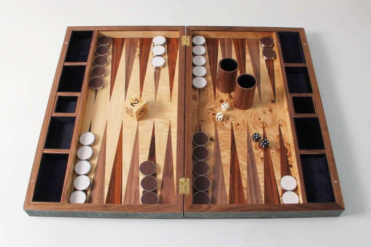 Backgammon Board in Lincoln Green Shagreen 3