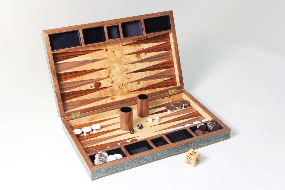 Backgammon Board in Lincoln Green Shagreen 2