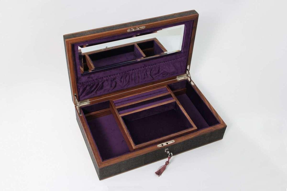 Avalon Jewellery Box in Seal Brown Shagreen1