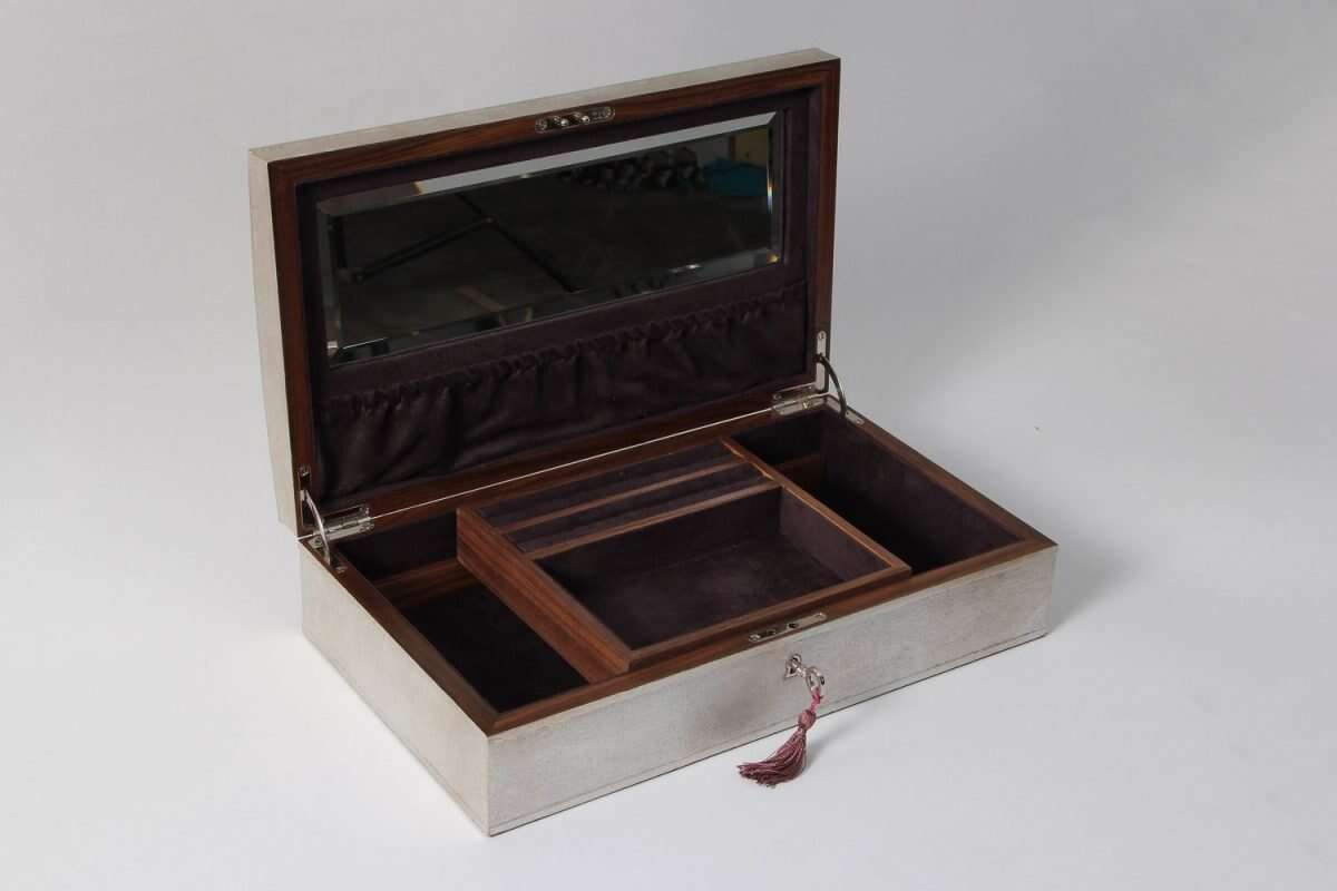 Avalon Jewellery Box in Silver Linen by Forwood Design 4
