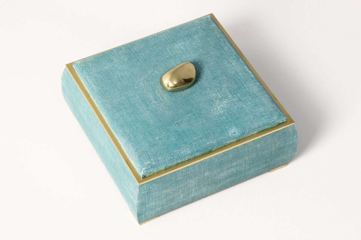 The Sophie jewellery box in teal linen 5