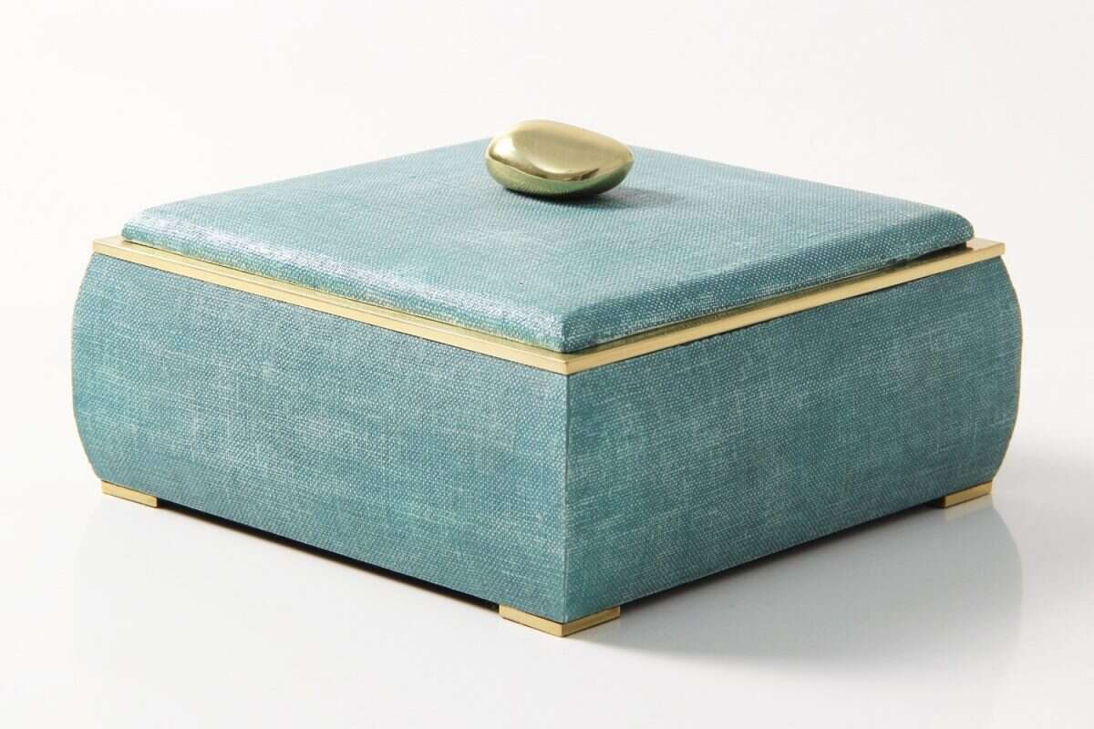 The Sophie jewellery box in teal linen 1